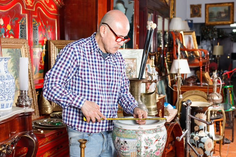 How To Value and Sell Your Antiques and Collectibles